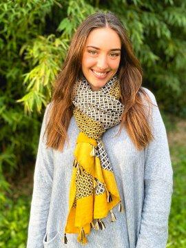 Foulard imprimé pompons jaune profil