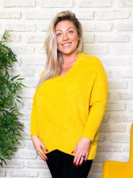 Stephanie pull duveteux grande taille jaune zoom