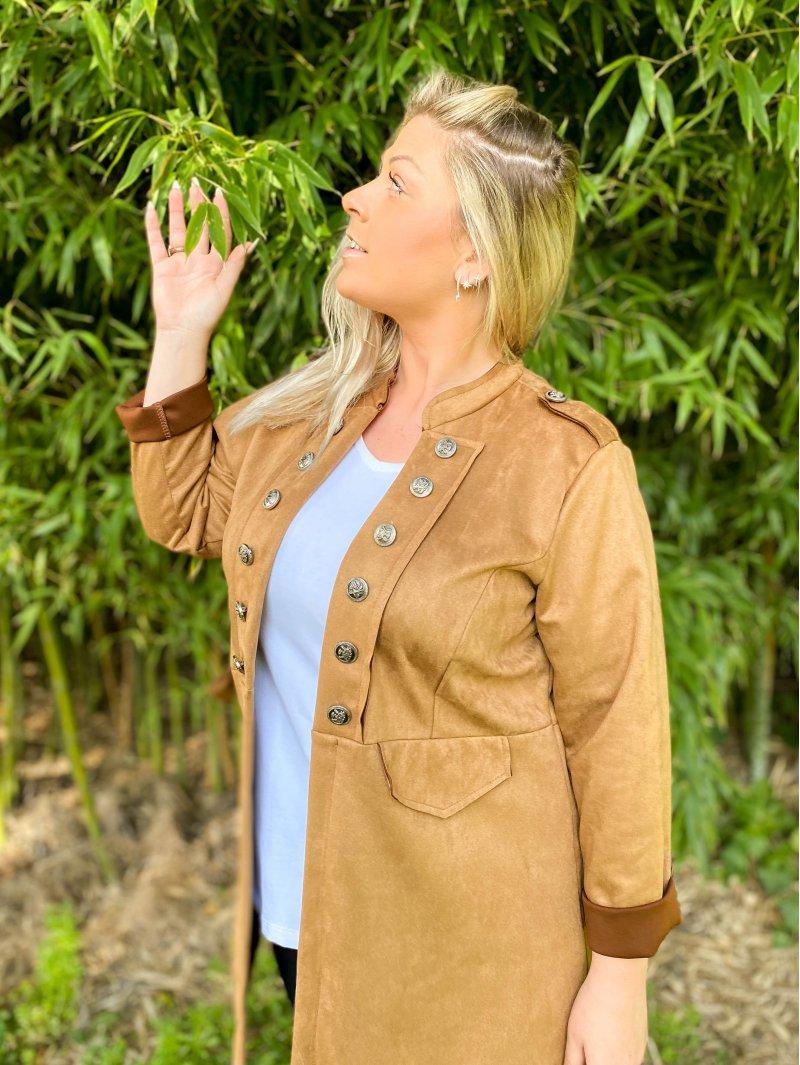 Jade, redingote grande taille camel zoom
