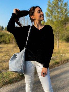 Stephanie pull duveteux grande taille noir face zoom extérieur