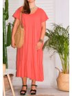 Cerise, robe grande taille romantique rose face